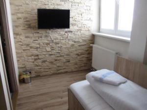 Jednolozkova izba TV