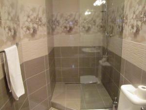 Jednolôžková izba sprchový kút